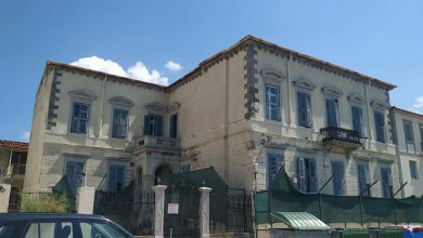 Photo of Τα κτίρια φαντάσματα του Ρωμαίικου Γιαλού