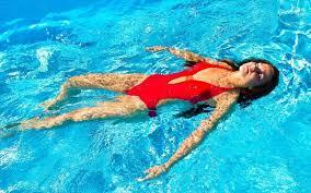Photo of Αν μας πιάσει κράμπα την ώρα που κολυμπάμε στη θάλασσα